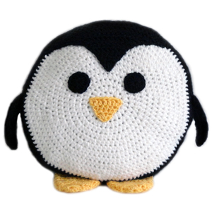 crochet-penguin-pillow